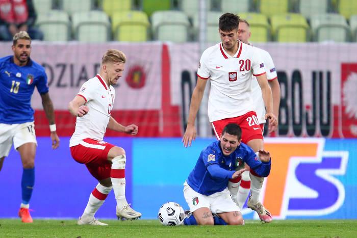 Polacy urwali punkty Włochom! Równy mecz w Gdańsku, Jakub Moder znów był świetny