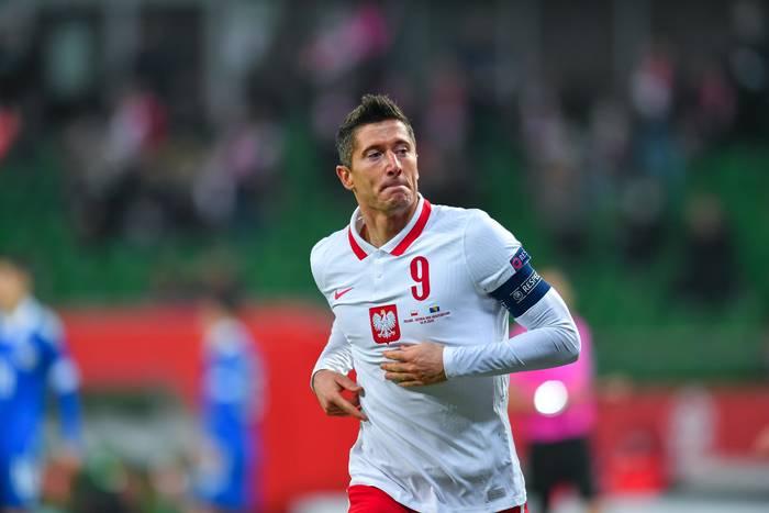 """Robert Lewandowski odebrał kolejną nagrodę. """"Piłka to nasza pasja, nasze życie, nasza miłość"""""""