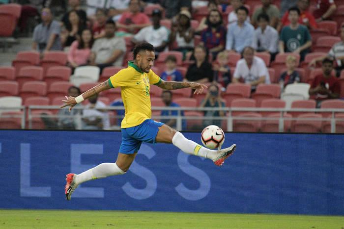 """Trener Brazylii bronił Neymara. """"Nie może ciągle robić wyjątkowych rzeczy"""""""