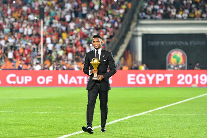 """Wpadka France Football. Samuel Eto'o nie kryje oburzenia otrzymaną nominacją. """"To brak szacunku"""""""