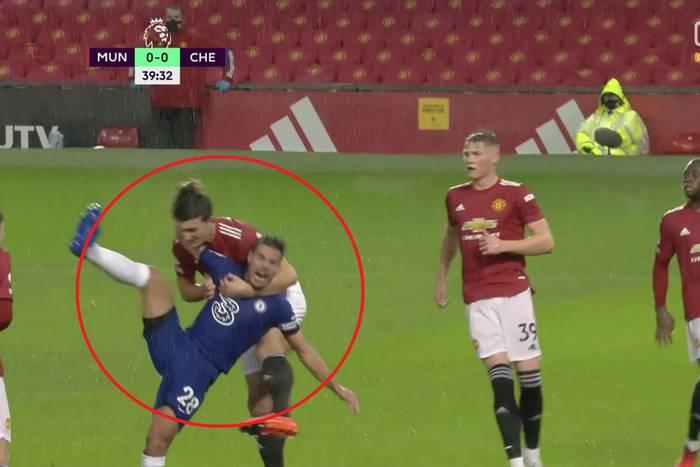 Manchester United zremisował z Chelsea. Wielka kontrowersja i debiut Edinsona Cavaniego [WIDEO]