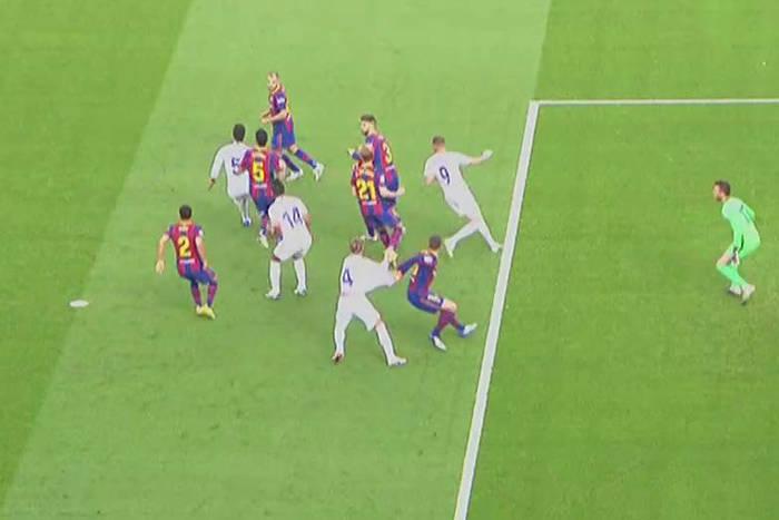 """Działaczowi FC Barcelony puściły nerwy. """"To jest j**any skandal! Munuera, możesz wyp**dalać…"""""""