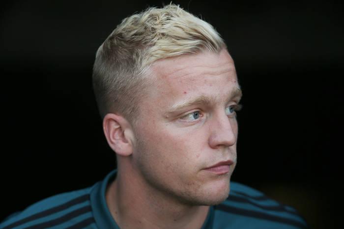 """Eksperci krytykują transfer Donny'ego van de Beeka. """"Prawda jest taka, że go nie potrzebujemy"""""""