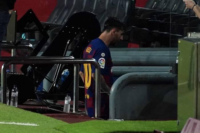 FC Barcelona blisko dna tabeli. Wielka pomyłka Neto, kontrowersja sędziowska i przełamanie Griezmanna [WIDEO]