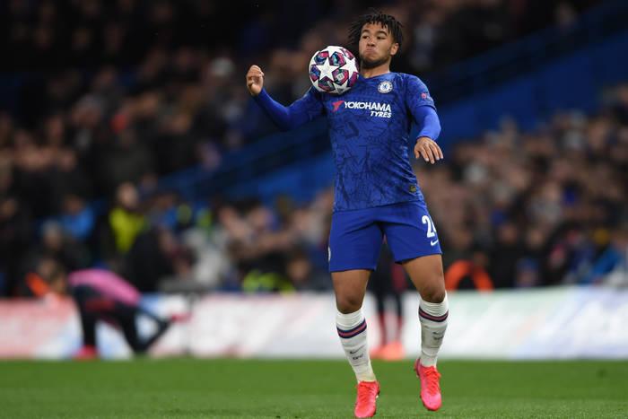 """Gracz Chelsea okradziony podczas meczu Ligi Mistrzów. Pokazał nagranie. """"Grupa tchórzliwych złodziei"""" [WIDEO]"""
