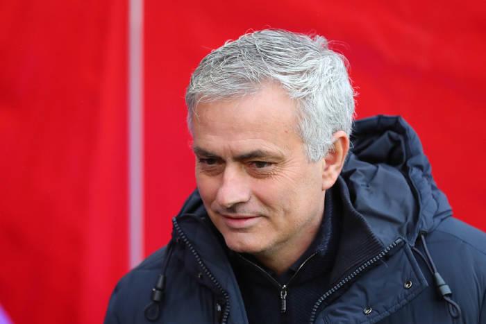 Wyzywał dziennikarzy, obrażał sędziów, wyśmiewał rywali. Mourinho wraca na teren wroga. I bardzo dobrze!