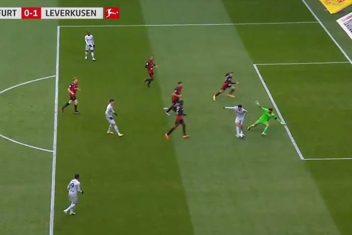 Cudowny gol dla Bayeru Leverkusen. Nadiem Amiri ośmieszył obrońcę i bramkarza Eintrachtu [WIDEO]