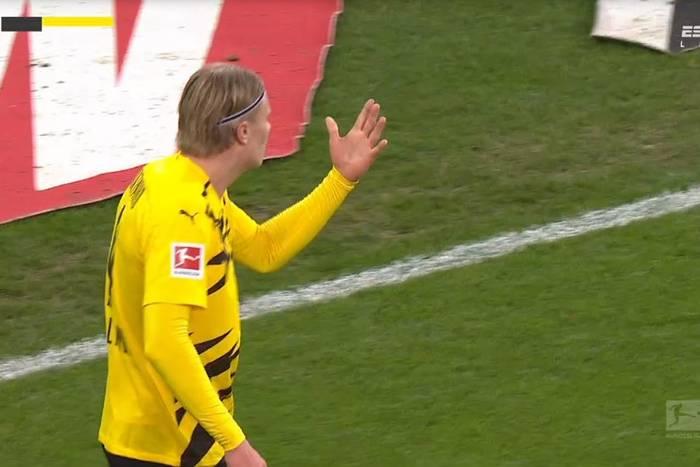 Borussia Dortmund w kryzysie! Erling Haaland zdobył dwa gole, ale jego drużyna i tak przegrała [WIDEO]