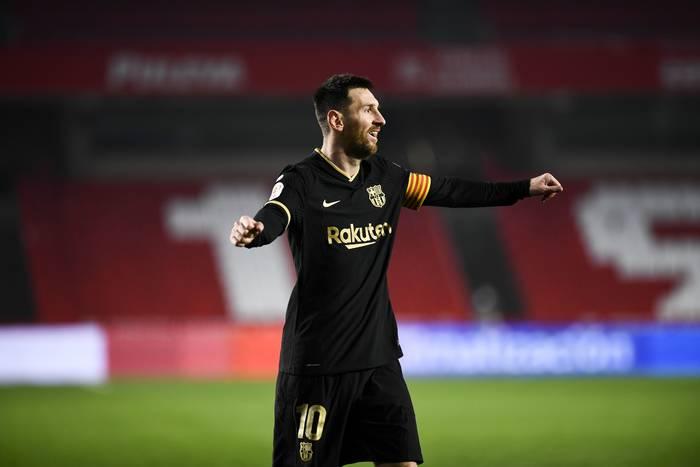 """Były piłkarz FC Barcelony wskazał kierunek transferu dla Leo Messiego. """"Na pewno niedługo go tutaj zobaczymy"""""""