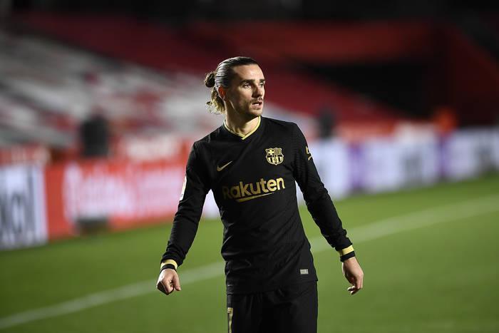 Bez Messiego trzeba liczyć na Griezmanna. Wspaniały gol Francuza na koniec sezonu [WIDEO]