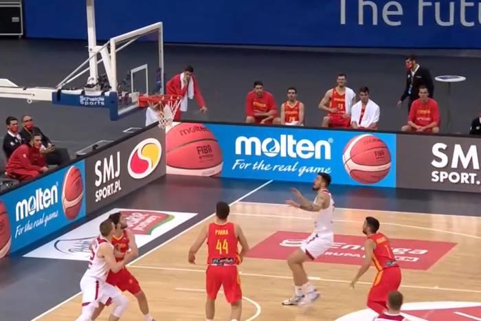 Polscy koszykarze dzielnie walczyli z Hiszpanią. Byli o krok od pokonania mistrzów świata