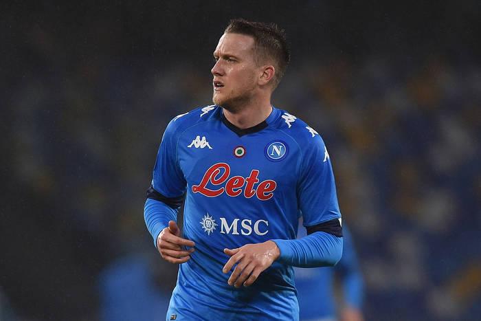 """Ujawniono, ile ofert otrzymało Napoli za Piotra Zielińskiego. """"De Laurentiis mógłby zrobić wyjątek"""""""