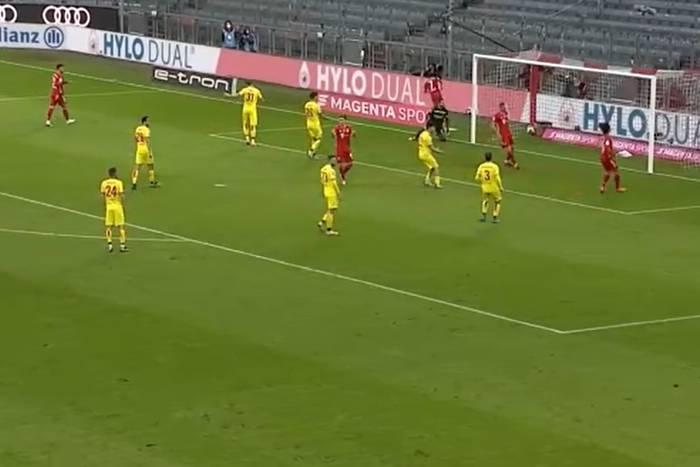 Bezlitosny Bayern Monachium rozbił rywali. Popis Roberta Lewandowskiego [WIDEO]