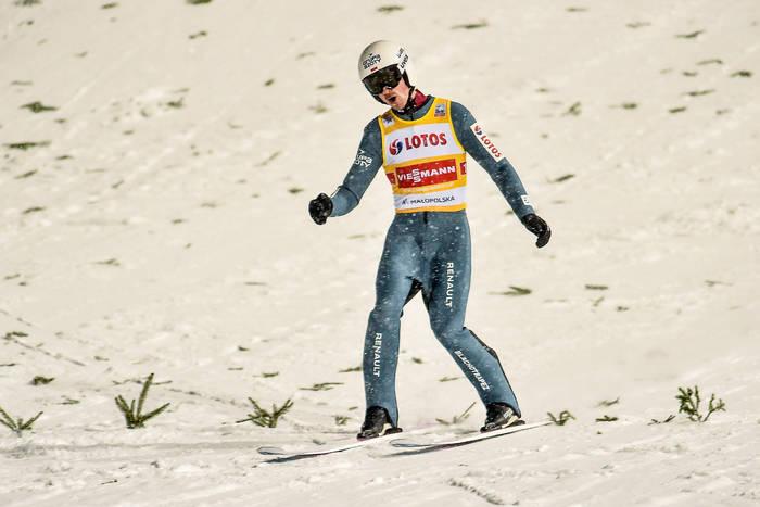 Piotr Żyła tuż za podium w loteryjnym konkursie w Oberstdorfie. Złoty medal MŚ dla Stefana Krafta
