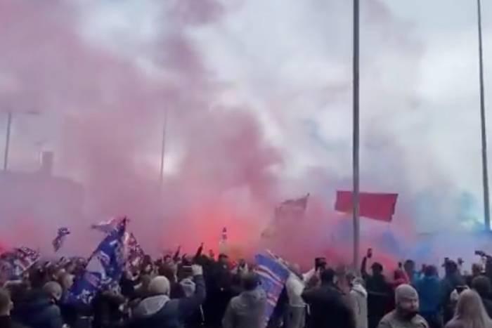 Fenomenalna atmosfera przed meczem Rangersów. Tysiące kibiców czekają na mistrzostwo [WIDEO]