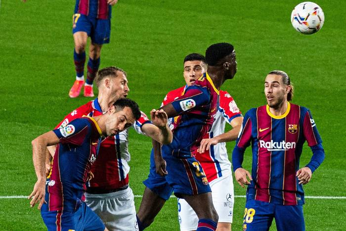 """Przepiękny gol młodego wychowanka Barcelony! """"Duma Katalonii"""" depcze po piętach Atletico [WIDEO]"""