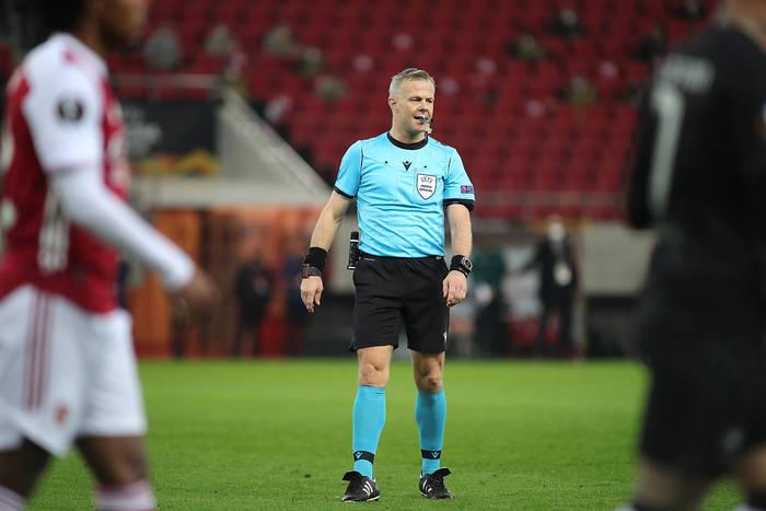 Sędzia był wulgarny wobec zawodników PSG? UEFA lekceważy sprawę