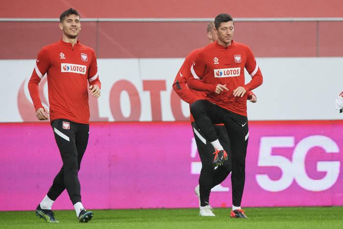 Jakub Moder: Dla młodych piłkarzy Robert Lewandowski to idol, ale kiedy go poznasz, jest normlanym gościem