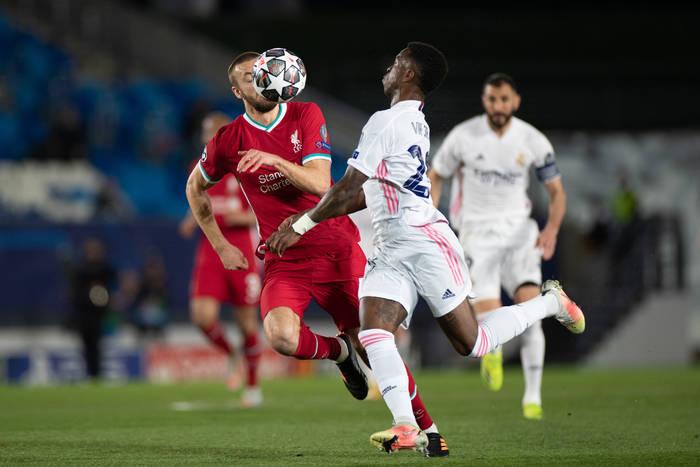 Goście pomylili godzinę meczu, arbiter zapomniał gwizdka. Co wiemy po spotkaniu Real Madryt - Liverpool?