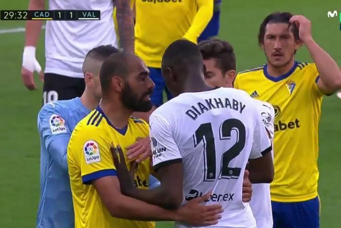 """Ciąg dalszy głośnego skandalu w La Liga. Kamery potwierdziły wersję rzekomego """"winowajcy"""""""