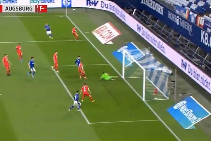 Fatalny błąd Rafała Gikiewicza w Bundeslidze. Przez niego Augsburg przegrał z czerwoną latarnią