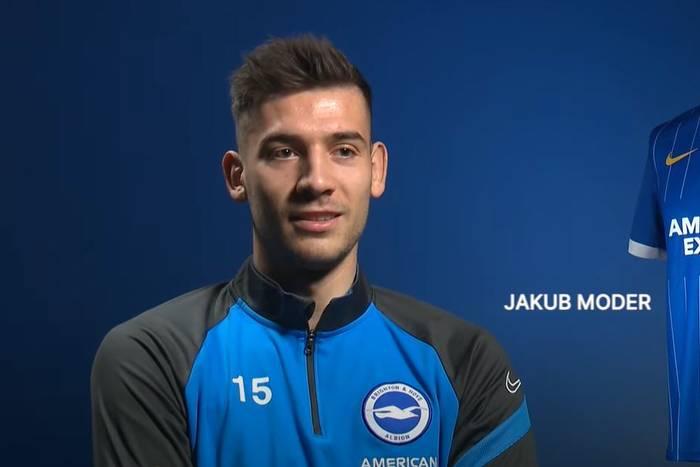 """Jakub Moder ocenił grę na nowej pozycji w Brighton. """"To dla mnie wyzwanie"""""""