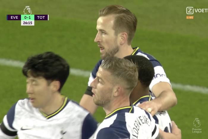 Harry Kane dwa razy wykorzystał błędy defensywy Evertonu. Tottenham i tak stracił punkty [WIDEO]