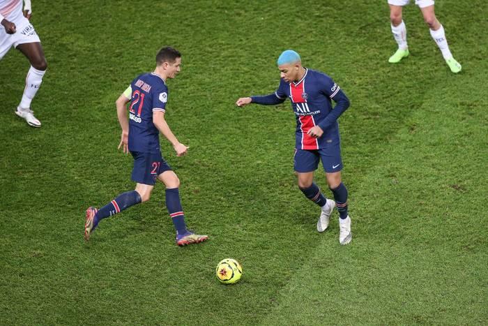 Piłkarz PSG: Kocham piłkę nożną i nie mogę milczeć. Bogaci kradną dla siebie najpiękniejszy sport na świecie