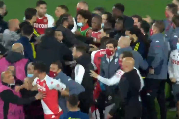 Wielka awantura po szlagierze Ligue 1. Sędzia pokazał cztery czerwone kartki [WIDEO]