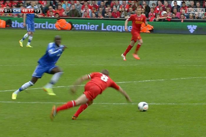 Dobrze, że Gerrard się poślizgnął. Jak największe upokorzenie zrobiło z niego kandydata na trenera sezonu