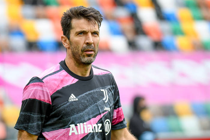 Gianluigi Buffon bardzo blisko nowego klubu. Legendarny golkiper otrzymał kilka propozycji