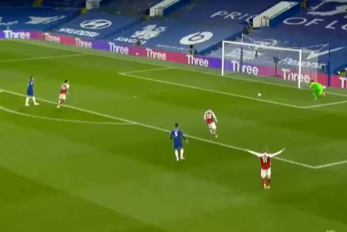 """Niewytłumaczalna wpadka obrony Chelsea. """"The Blues"""" przegrali z Arsenalem w derbach Londynu [WIDEO]"""