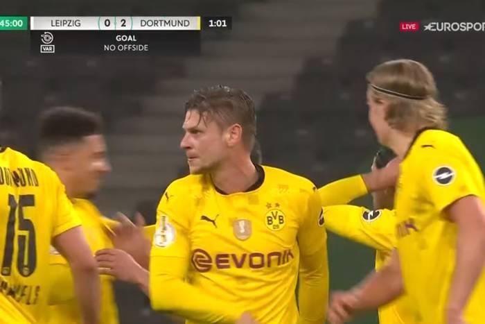 Borussia Dortmund triumfuje w Pucharze Niemiec! Łukasz Piszczek z trofeum na koniec przygody z klubem [WIDEO]