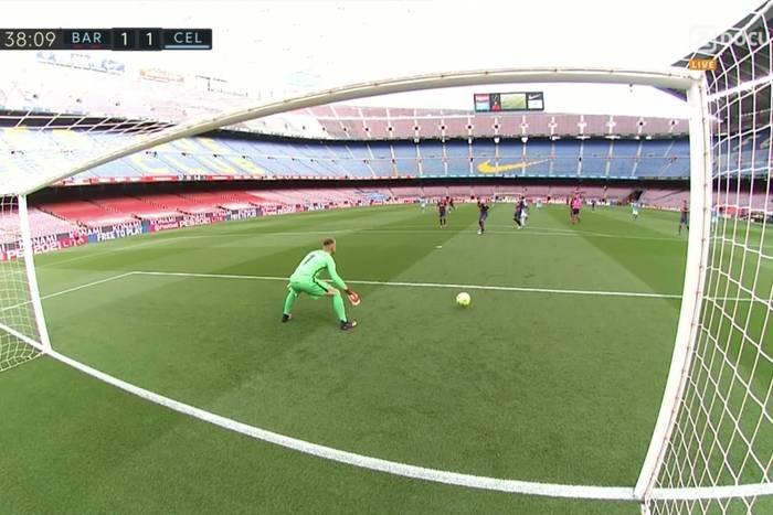 Barcelona bez mistrzostwa! Katalończycy zgubili punkty z Celtą, fatalny błąd ter Stegena [WIDEO]