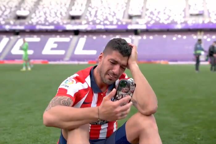 """Luis Suarez popłakał się po zdobyciu mistrzostwa z Atletico. """"FC Barcelona mnie nie doceniała"""" [WIDEO]"""