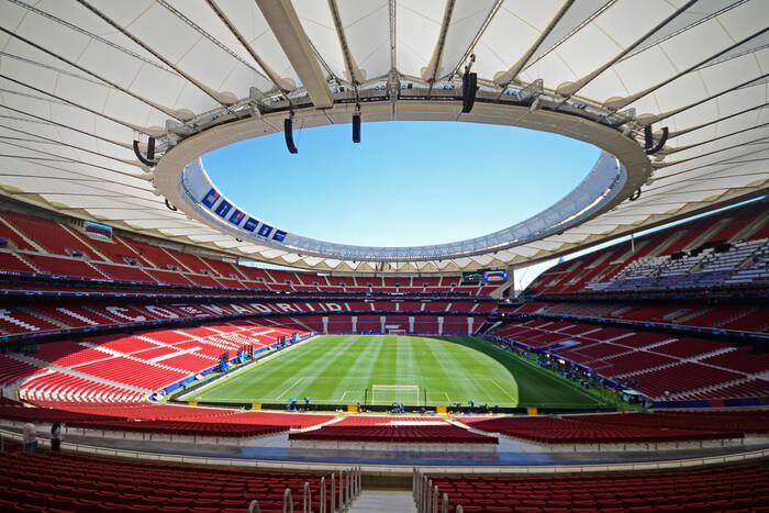"""Real Madryt na stadionie Atletico? Zaskakujący pomysł """"Królewskich"""""""