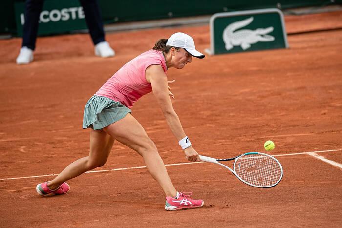 Iga Świątek przegrała w ćwierćfinale Roland Garros! Maria Sakkari za mocna dla Polki