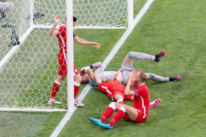 EURO przegrane defensywą. Polacy rozdawali prezenty i jadą do domu