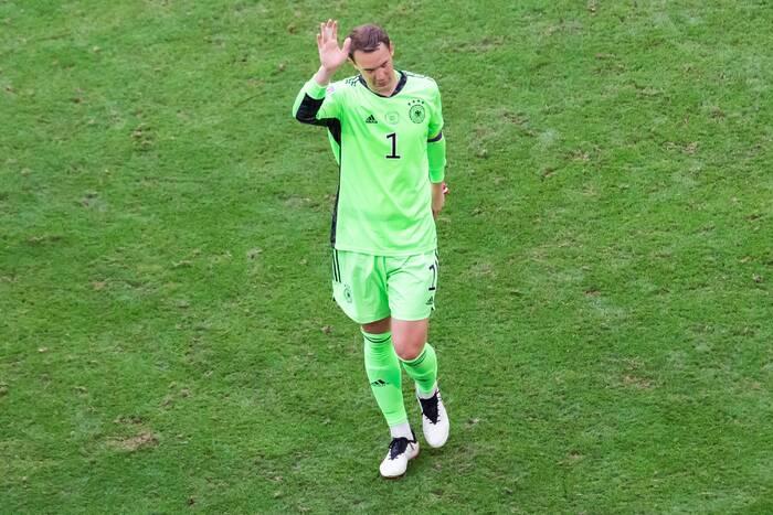 """Manuel Neuer stanął w obronie Joachima Loewa. """"Naznaczył epokę. Wiele mu zawdzięczamy"""""""