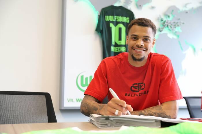 Wolfsburg zakontraktował nowego piłkarza. To rywal do miejsca w składzie dla Bartosza Białka
