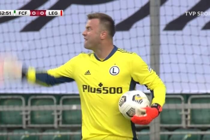 Artur Boruc rugał piłkarzy Legii. Czesław Michniewicz skomentował zachowanie swojego bramkarza