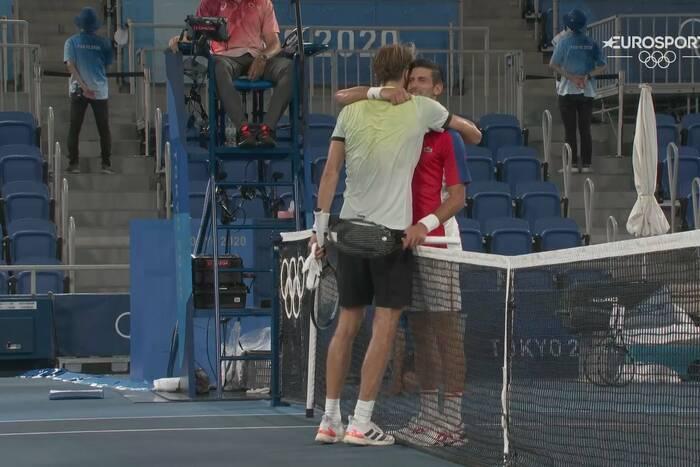 Wygrany pierwszy set, a później totalna zapaść! Novak Djoković rozbity w półfinale IO!