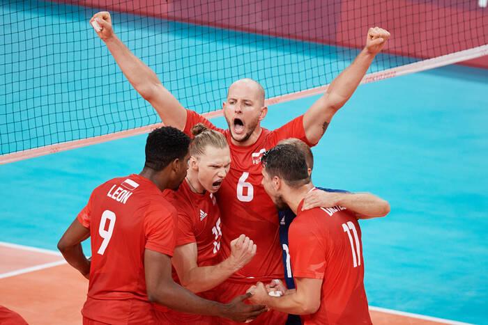 Znakomity mecz polskich siatkarzy! Nie dali najmniejszych szans Kanadzie i wygrali grupę [WIDEO]