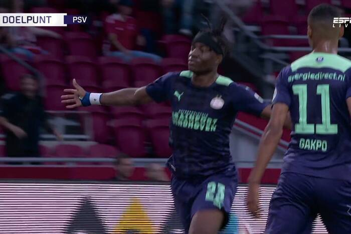 PSV Eindhoven rozgromiło Ajax! Dwa gole rewelacyjnego nastolatka [WIDEO]