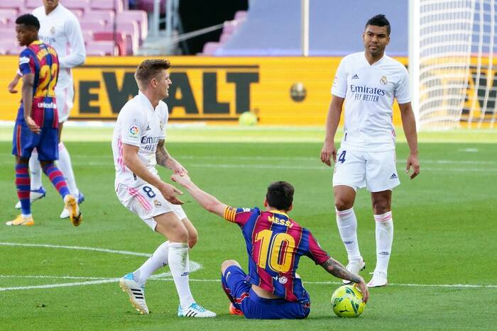 Hit La Liga przełożony. FC Barcelona nie zagra z Sevillą, Real Madryt narzeka na nierówne traktowanie