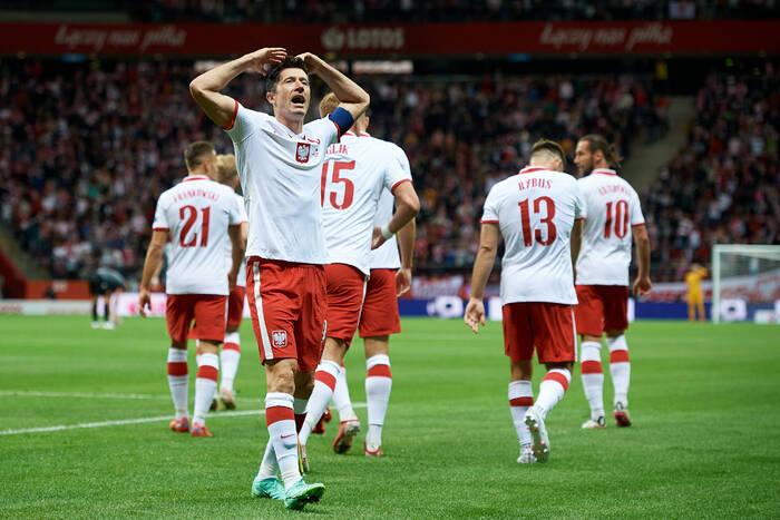 Polska wygrała z Albanią w el. MŚ! Chaotyczna gra, świetny wynik, kapitalny Lewandowski! [WIDEO]