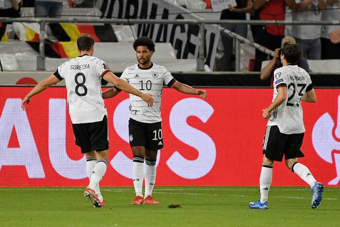 Reprezentacja Niemiec miała problemy podczas powrotu z Islandii. Awaryjne lądowanie w Edynburgu