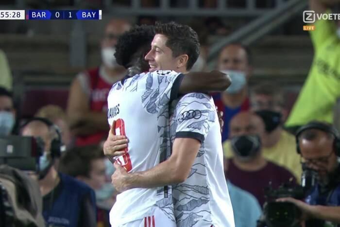 Dublet Roberta Lewandowskiego na Camp Nou! Polak rozbił Barcelonę w Lidze Mistrzów [WIDEO]
