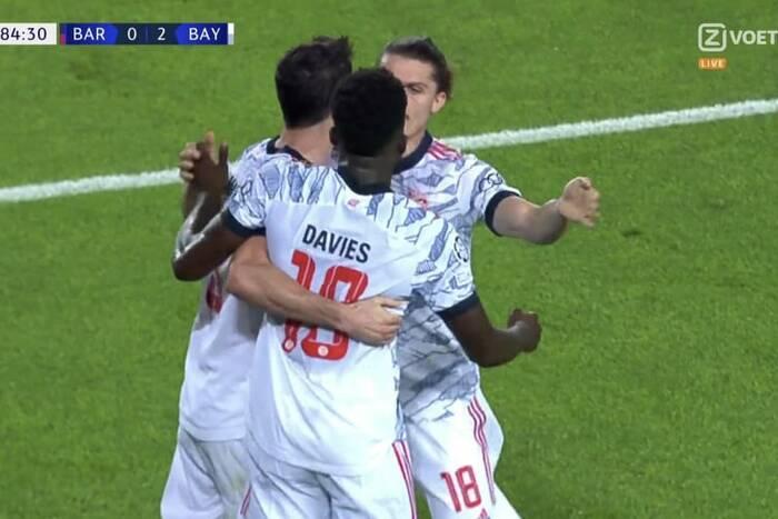 Bayern pokazał Barcelonie miejsce w szeregu! Dwa gole Lewandowskiego, pewne zwycięstwo na Camp Nou [WIDEO]