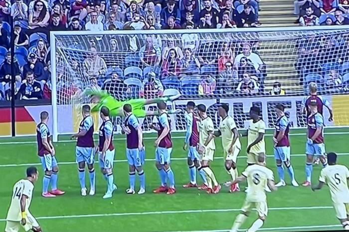 Przepiękny gol Martina Odegaarda! Piłkarz Arsenalu popisał się perfekcyjnym uderzeniem z rzutu wolnego [WIDEO]